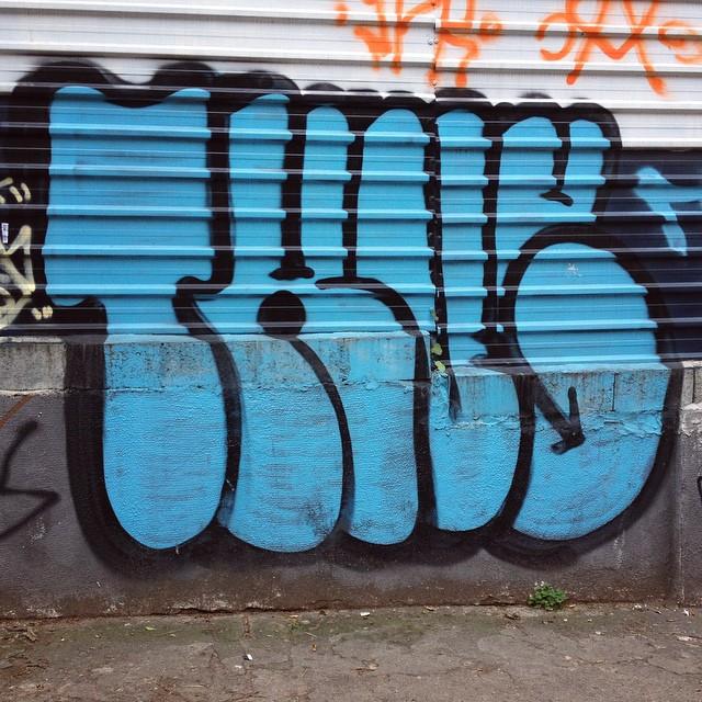 THUG #thug #streetartsp #graffiti #graff #throwup #wallart #spraypaint #saopaulo #sampa #jacktwo #pinheiros #saopaulowalk #streetart #artedarua #spraycan