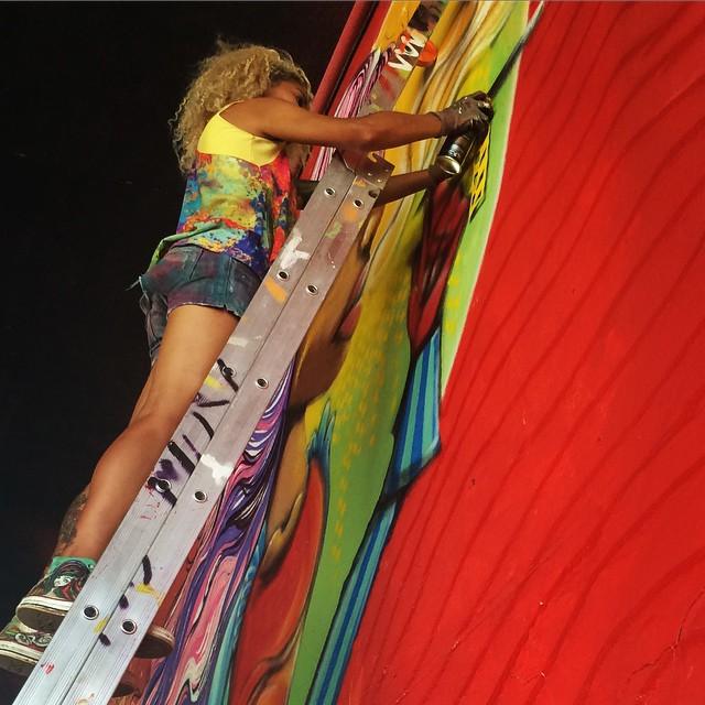 @crigraffmonteiro finalizando sua Alice na 23 de maio. De peso  #grafite #graffiti #arte #artederua #art #urbanart #arteurbana #streetart #streetartsp #galeria #grafiteda23 #sampa #sp