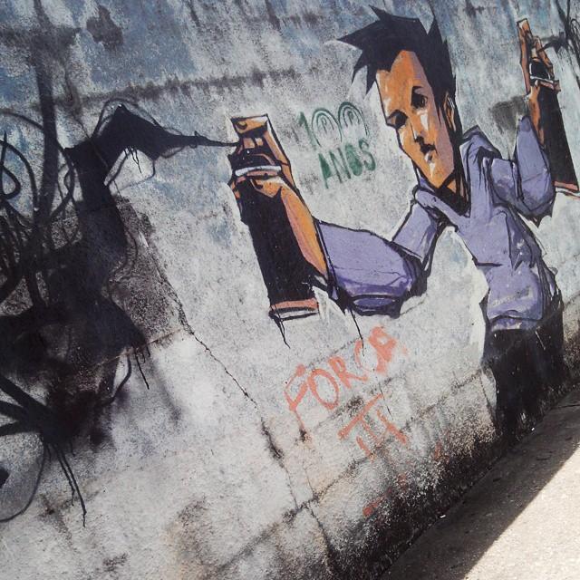 Artwork ??? #urbanart #urbanexploration #spray #paint #spraypaint #grafite #graffiti #graffitigers #graffporn #streetart #streetartsp #streetartsaopaulo #brazilianart #streetartshots #streetartuncovered #sampagraffiti #instagraffiti #elgraffiti #fromthestreets #saopaulowalking #sp4you #coolsampa #phonephotography #ruavergueiro #sp #brazil
