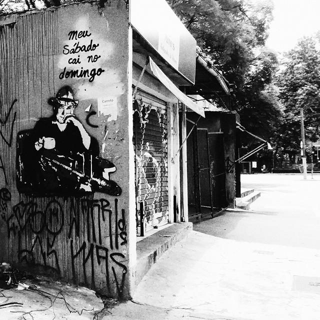 Domingo #sqn #olheosmuros #bnw #PB #hn_bnw #bw #vscogang #vsco #vscocam #pixo #streetartsp #streetsofsp #downtown #spwalk