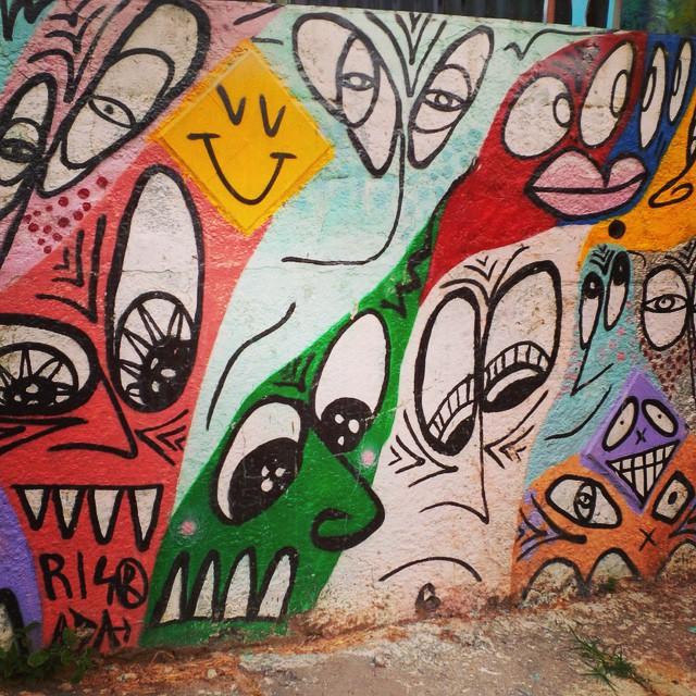 Funny wall by @risadasmile #risada #smile #sambadograffiti #sampagraffiti #graffiti #graffiti_clicks #grafite #graf #streetart #streetartsp #streetphoto #streetarteverywhere #streetartphotography #spray #SPBGRAFITE #spraypaint #urbanwall #urbanart #wallart #saopaulo #brasil #rsa_graffiti #DSB_graff #braznu #sampa #tv_streetart #saopaulocity #tv_sa_simplicity_graff #streetartofficial