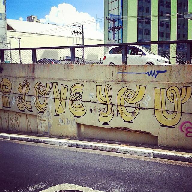 É o que sinto! Mais simples assim impossível... #SP #SPBrazil #SPlovers #pelasruasqueandei #streetart #graffiti #graffitiart #artisticintervention #urbanart #urban #walkinginthestreet #streetlife #art #artederua #arteurbana #murosurbanos #urbanwalls #StreetArtSp #olheosmuros