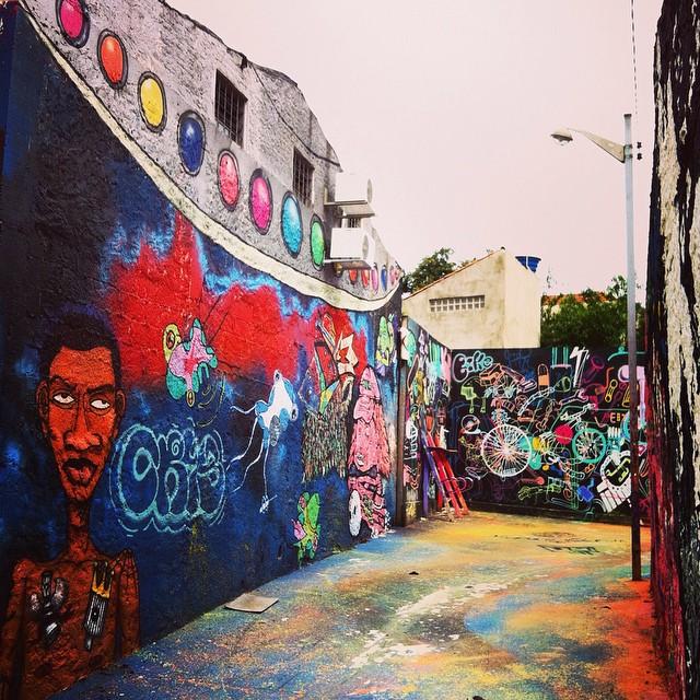 #becoazul #graffitis #grafitesp #graffitiporn #graffiticlicks #graffitisaopaulo #coolsampa #galeriaceuaberto #dopeshotbro #elgraffiti #igerssp #instagrafite #mural #nasruasdesaopaulo #olheosmuros #realcoolsampa #spcomcor #streetart #spraydaily #streetartfiles #streetartsp #spraypaint #rsa_graffiti #shoot2kill #vivaipojuca #vilaipojuca #wallart #sampacity #streetphoto