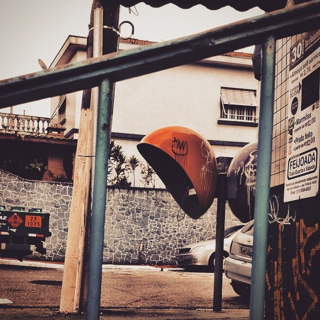 #graffiti #underground #urbanart #streetart #mtn94 #spray #sãopaulo #artederua #arteurbana #throwup #xarpi #stickerart #blackbook #pixo #graffitiwall #stickerslap #vandal #grapixo #ironlak #krink #sp #streetartsp #pixação #bombing #vandal #arte #paulista