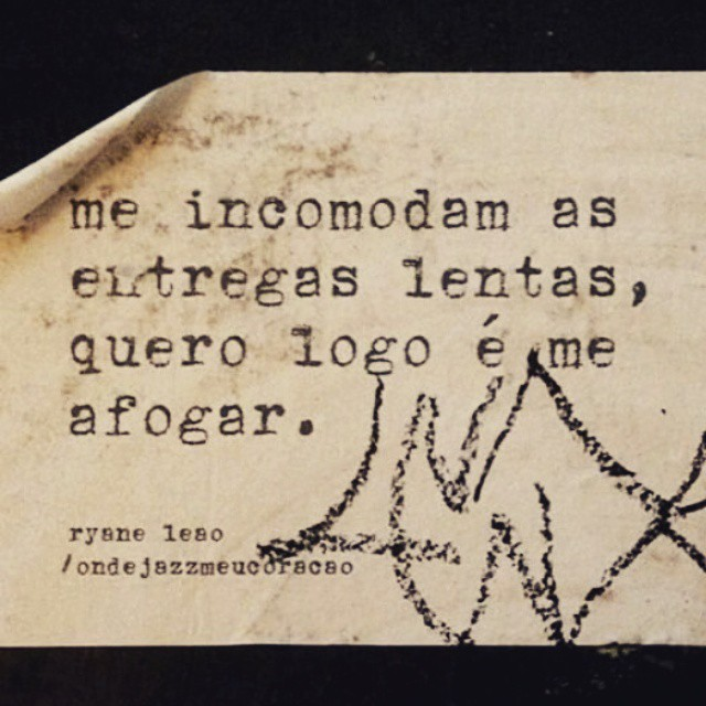 via @patymene #ondejazzmeucoracao #streetartsp #poesia #poetry #poesiaurbana #artederua #intervençao #intervencaourbana #splovers #streetart #lambelambe #lambe #murosquefalam #arteurbana #vinarua #poemamundano #acidadefala #olheosmuros #poesiaderua #asruasfalam #oqueasruasfalam #realcoolsampa #pelasruas #taescritoemsampa #urbanart