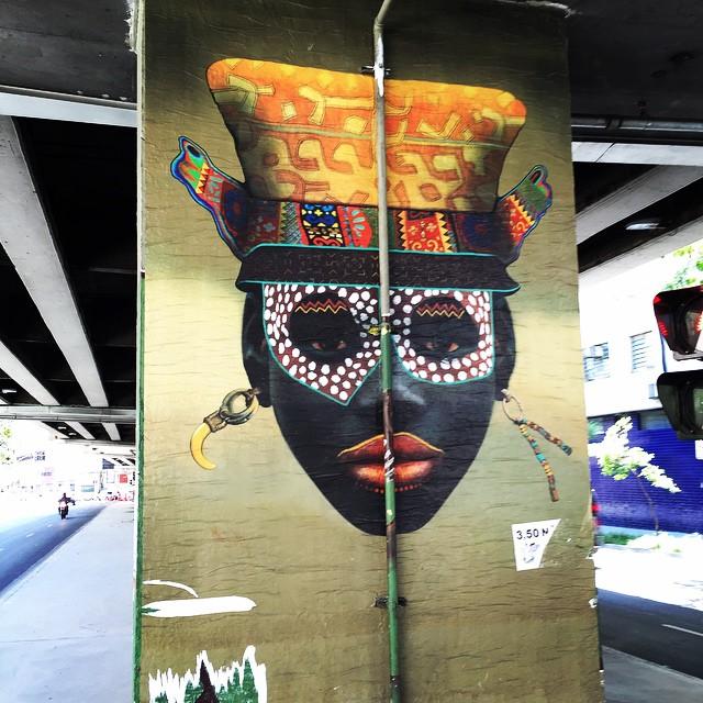 Foto (8 / 16) .... Máscaras Afro-Brasileiras Projeto Omô Lodjô de Renatinho da Silveira entre as ruas Gal Jardim e Largo do Arouche #projetoomolodjo #renatinhodasilveira #minhocão #sampa #saopaulo #saopaulograffiti #sp #splovers #instagraffiti #instasaopaulo #arteurbana #urbanart #graffiti #graffitisaopaulo #coolsampa #streetart #streetartsp #streetartsaopaulo #elevadocostaesilva #minhocão