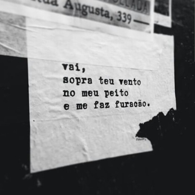 sopra. shhhhhhhh. por @ryaneleao via @carol_coronado #ondejazzmeucoracao #streetartsp #poesia #olharesdesampa #poesiaurbana #artederua #intervencaourbana #splovers #saopaulocity #ladosp #lambelambe #murosquefalam #arteurbana #vinarua #acidadefala #olheosmuros #poesiaderua #asruasfalam #oqueasruasfalam #realcoolsampa #pelasruas #taescritoemsampa #urbanart #pelosmuros #pelasruas #saopaulo #igerssaopaulo #ruaspoeticas #ryaneleao #sp4you3
