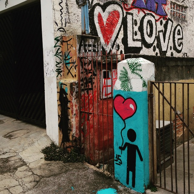 Beco do Batman (Vila Madalena, São Paulo): Love is in the air... by @omenino_stencilart and @s2_love #s2love #omenino #love #sambadograffiti #sampagraffiti #graffiti #graffiti_clicks #grafite #graf #streetart #streetartsp #streetphoto #streetarteverywhere #streetartphotography #spray #spraypaint #urbanwall #urbanart #wallart #saopaulo #brasil #rsa_graffiti #DSB_graff #braznu #sampa #tv_streetart #saopaulocity #tv_sa_simplicity_graff #streetartofficial