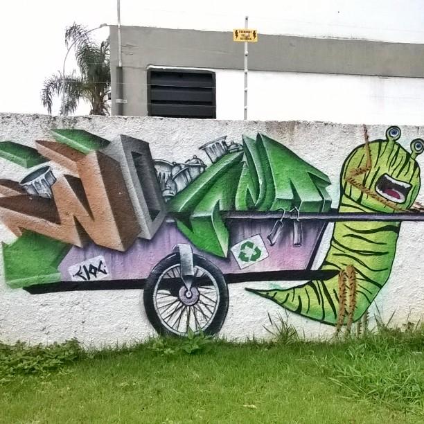•• #graffiti_of_our_world #sampagraffiti #graffitibr #artederua #graffiti_br #ig_graffiti #rsa_graffiti #streetartsp #streetcandy #dsb_graff #streetart #graffitisp #streetshots #urbanart #graffitiporn #graffitiplanet #graff #graffiti #tv_streetart #ingf #grafflife #streetphotography #brasil #jacarei