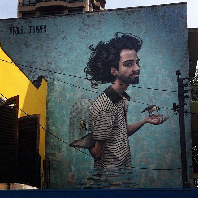 Pretty bird... Arte de Apolo Torres #apolotorres #graffiti #streetart #streetartsp #artederua #arteurbana #gaiola #passaros #liberdade #domingo #encaged #liberty