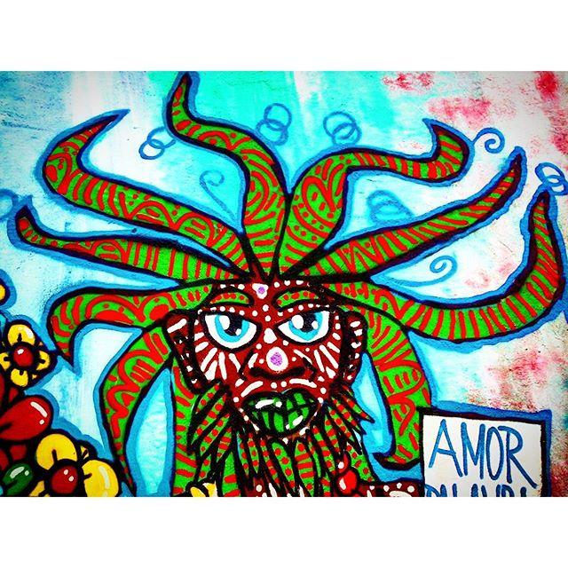 """""""Discípulo do Profeta Gentileza"""". Detalhe da Intervenção Urbana feita no Evento """"Misturada Cultural"""", no Ponto de Cultura Humaitá, em Itaquera, São Paulo-SP. por D.Praz. 2015 #danyahupraz #dpraz #arteurbana #intervençãourbana #artederua #cores #latex #sprayarte #colorginarteurbana #artesvisuais #misturadacultural #pontodeculturahumaita #gentileza #amor #profeta #urbanart #streetart #colors #sprayart #visualarts #love #prophet #instastreetart #streetartbrazil #streetartsp"""