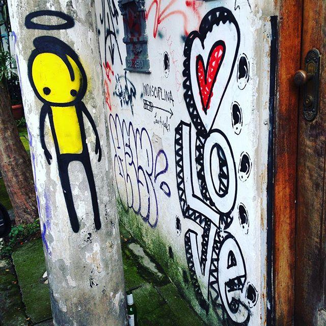 Good to see an angel full of love nowadays! Artists: @warkrocinha & @s2_love #warkrocinha #love #sambadograffiti #sampagraffiti #graffiti #graffiti_clicks #grafite #graf #streetart #streetartsp #streetphoto #streetarteverywhere #streetartphotography #spray #SPBGRAFITE #spraypaint #urbanwall #urbanart #wallart #saopaulo #brasil #rsa_graffiti #DSB_graff #braznu #sampa #tv_streetart #saopaulocity #tv_sa_simplicity_graff #streetartofficial