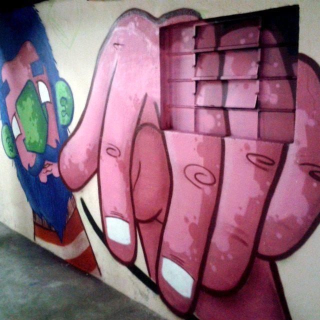 Em processo... In process... São Paulo - SP - 2015  #graffiti #graff #graffart #art #arte #arts #artist #colors #color #cor #cores #apa #apaone #brazilianart #brazilianstyle #brazilianartist #streetartsp #streetart #urbanstyle #urbanart #urbanartist #maiscorporfavor #character #cartoons #instagrafite #sp #spraycans #arteurbana #skate
