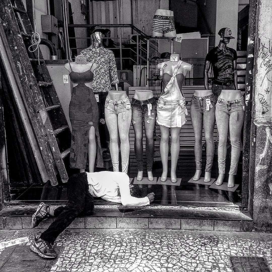 #corpo_cidade _rotinas_(ficção). www.corpocidaderotinas.wix.com/corpocidade
