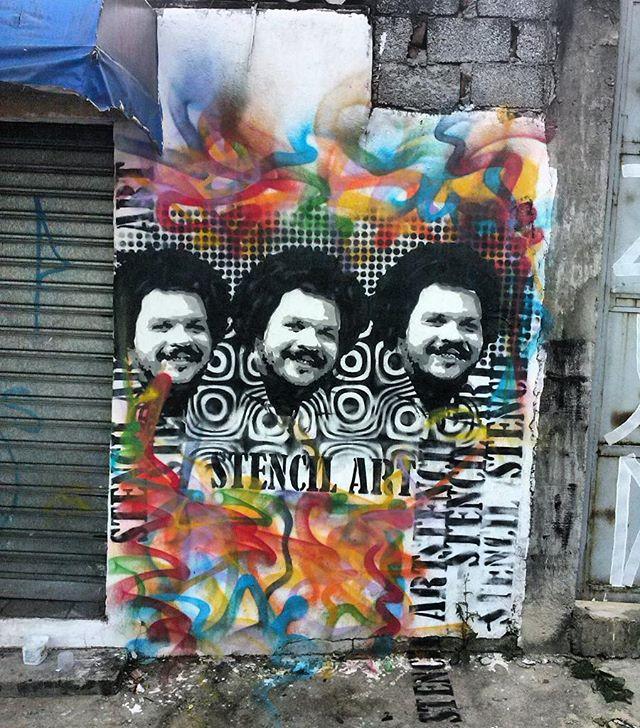 Ultima do ano... #stencil #streetphotography #stencils #stencilgraffiti #artederua #popart #graffiti #stencilrevolution #timmaiaracional #timaia #timmaia #spgraffiti #streetartsp