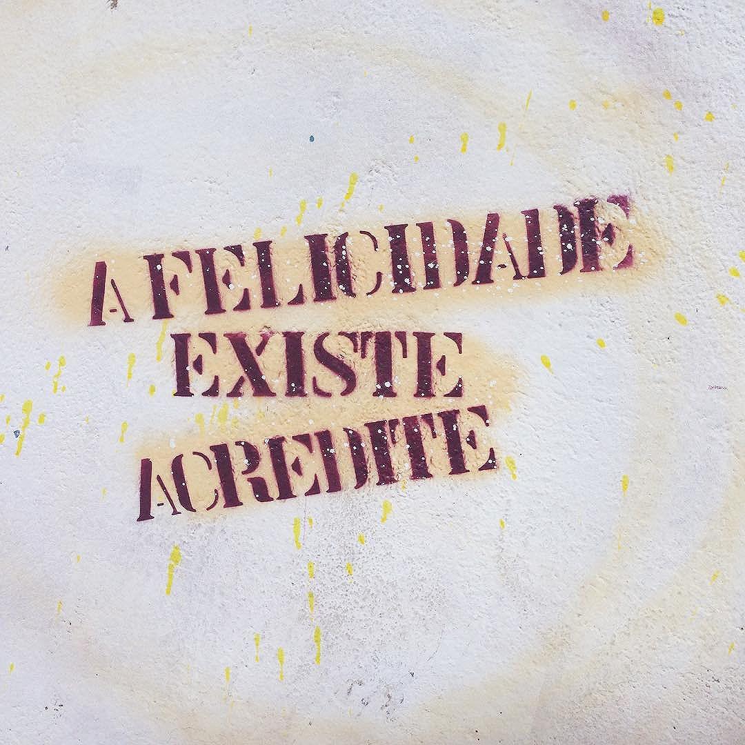 Eu acredito  #taescritoemsampa #osmurosfalam #asruasfalam #existeamoremsp #stencil #streetart #streetartsp #minhasp #felicidade