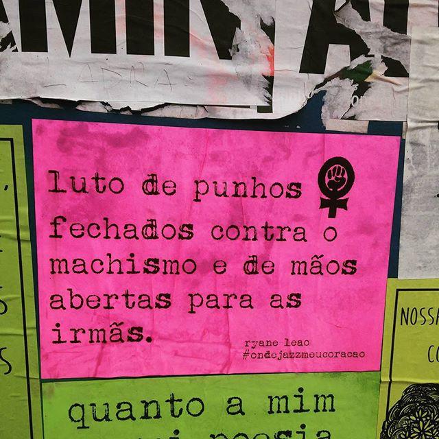 luto com as mulheres e pelas mulheres. tamo juntas!  #ondejazzmeucoracao #streetartsp #011 #artederua #intervençãourbana #splovers #vozesdacidade #lamblamb #sp #lambelambe #olheosmuros #osmurosfalam #arteurbana #vinarua #acidadefala #olheosmuros #poesiaderua #asruasfalam #oqueasruasfalam #pelasruas #taescritoemsampa #urbanart #pelosmuros #txturbano #saopaulo #ruaspoeticas #olheasruas #ryaneleao #sp4you #silenciodasruas