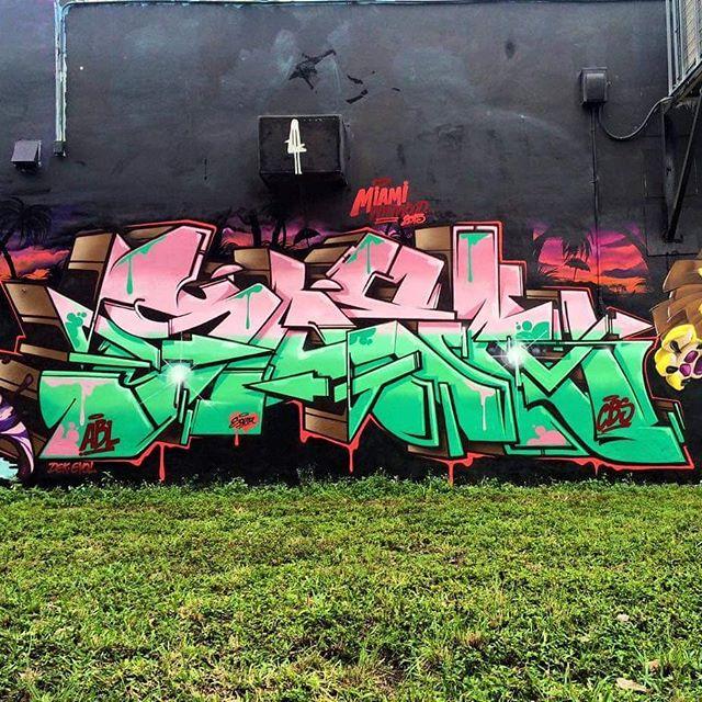 Master piece by : @snek_zn | SP #graffiti #graffitiart #graffitiartist #streetart #art #wildstylegraffiti #wildstyle #brasil #wildstylebrasil #artsy #hiphop #street #streetartsp