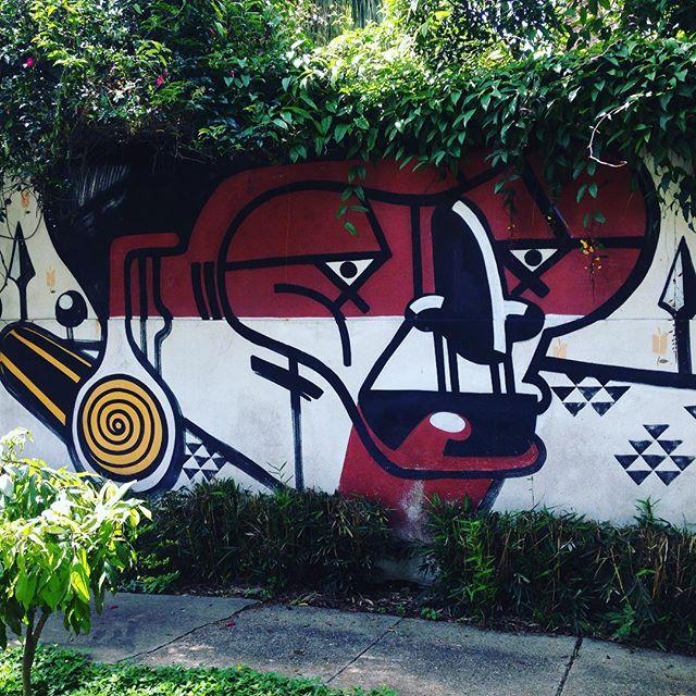 O Jardim Paulista também oferece lindas obras de arte nas paredes! Artista: @nunca.art #nuncaart #nunca #sambadograffiti #sampagraffiti #graffiti #graffiti_clicks #grafite #graf #streetart #streetartsp #streetphoto #streetarteverywhere #streetartphotography #spray #SPBGRAFITE #spraypaint #urbanwall #urbanart #wallart #saopaulo #brasil #rsa_graffiti #DSB_graff #braznu #sampa #tv_streetart #saopaulocity #tv_sa_simplicity_graff #streetartofficial