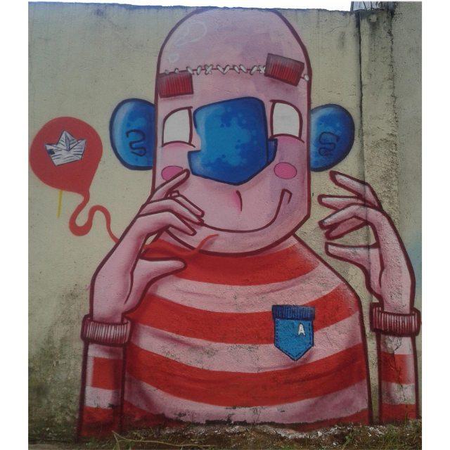 Role em interlagos com os manos @primatone @frenesi_art @sator_art #graffiti #graff #graffiart #graffitiart #streetartsp #streetart #arte #art #artist #apa #apaone #cores #colors #color #spart #spcolors #brazilianstyle #brazilianartist #brazilianart #style #urbanart #urbanstyle #urbanartist #character #maiscorporfavor #spray #spraycans #cartoon #sp #brasil
