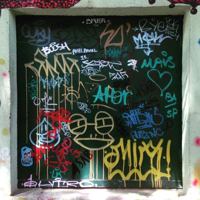 Sopa de letras sobre porta metálica! #sopadeletras #lettering #tag #sambadograffiti #sampagraffiti #graffiti #graffiti_clicks #grafite #graf #streetart #streetartsp #streetphoto #streetarteverywhere #streetartphotography #spray #SPBGRAFITE #spraypaint #urbanwall #urbanart #wallart #saopaulo #brasil #rsa_graffiti #DSB_graff #braznu #sampa #tv_streetart #saopaulocity #tv_sa_simplicity_graff #streetartofficial