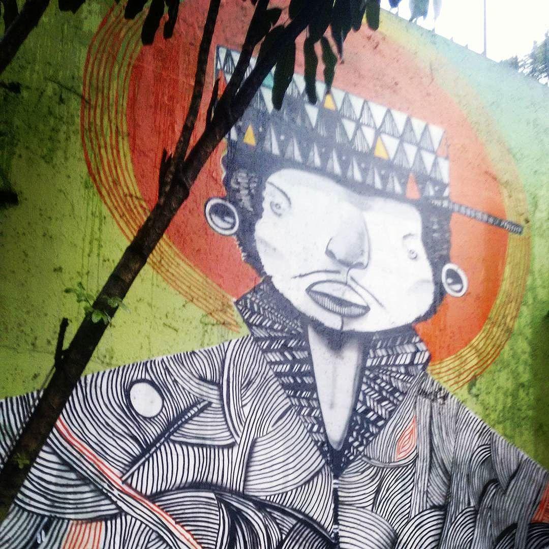 #grafittiart #grafitebrasil #grafitti #streetart #streetartsp #arteurbana #artederua #saopaulo #sp #picoftheday #lategram #011 #sampa #sampagrafitti #spray #spraypaint #brazil #brstreet #brasil #vinteetresdemaio #painel #arte #art by #unknownartist