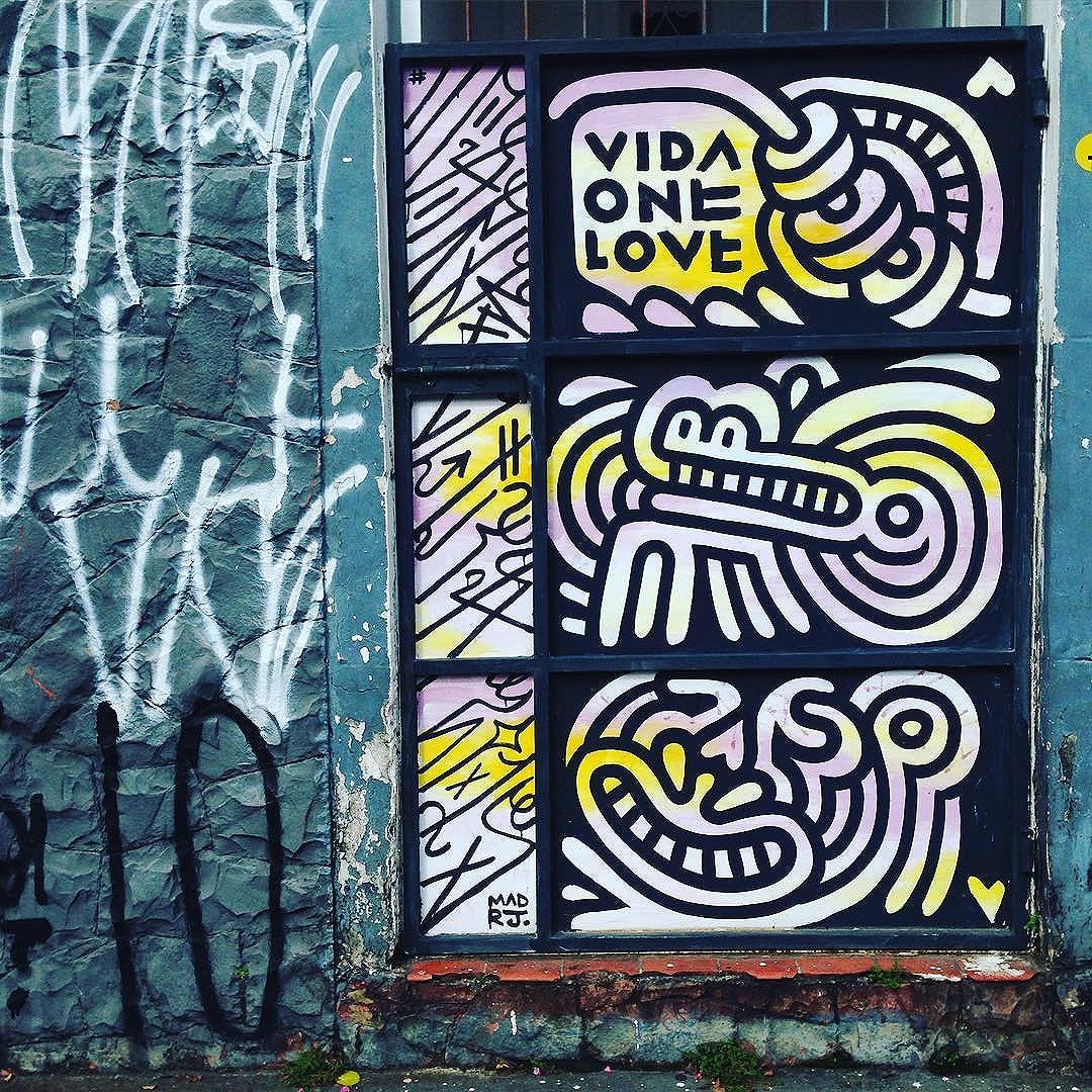 Lucky door in Vila Madalena  Artists: @vidaonelove ( Madrid & Rio de Janeiro ) #madrj #onelove #vidaonelove  #sambadograffiti #sampagraffiti #graffiti #graffiti_clicks #grafite #graf #streetart #streetartsp #streetphoto #streetarteverywhere #streetartphotography #spray #SPBGRAFITE #spraypaint #urbanwall #urbanart #wallart #saopaulo #brasil #rsa_graffiti #DSB_graff #braznu #sampa #tv_streetart #saopaulocity #tv_sa_simplicity_graff #streetartofficial