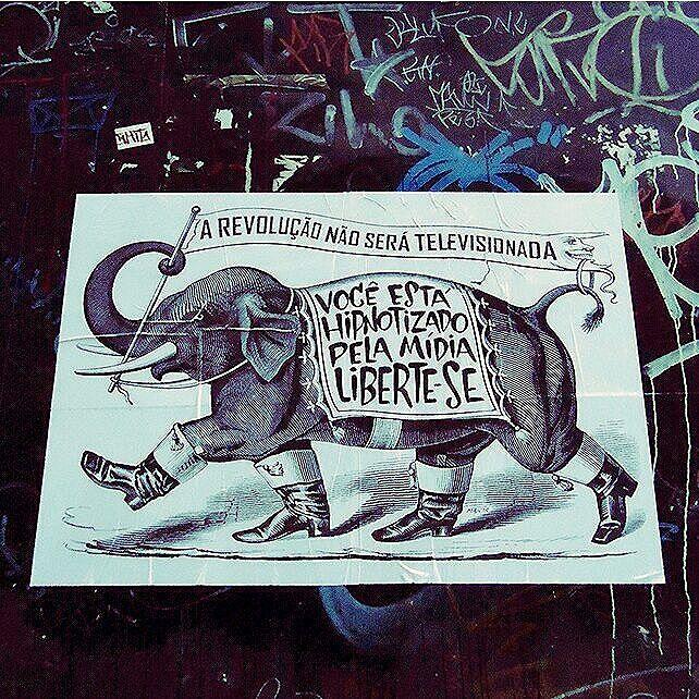 #major_art #revolução #arteurbana #ruasquefalam #streetart #streetartsp #StreetArtSP #cartaz #lambelambe #artederuasp #artederua #pasteup #urbanart #wallporn #wheatpaste #urbanartist #lambe #spstreetart #streetartbrazil #wallart #streetarteverywhere #streetarthunter #intervencaourbana #spart #olheosmuros #taescritoemsampa #urbanart