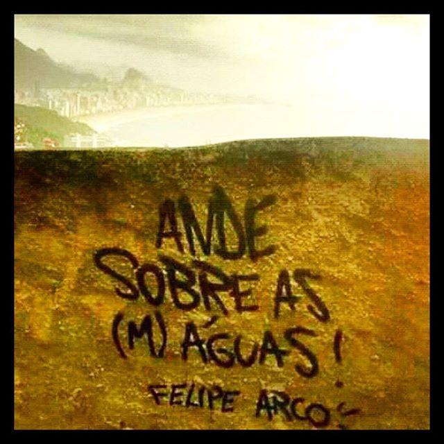 #oquearuafala #paredesurbanas #lambelambe #grafite #urbanwalls #streetart #streetartsp #poesiaurbana #artederua #intervencaourbana #splovers #sp #lambelambe #grafite #pixo #murosquefalam #osmurosfalam #oqueasruasfalam #acidadefala #oquearuafala #arteurbana #vinarua #asruasfalam #taescritoemsampa #urbanart #urbanwalls #wallporn #art #instagraffiti #instagood #graffitiporn #streetarteverywhere #arte #fotografiaderua
