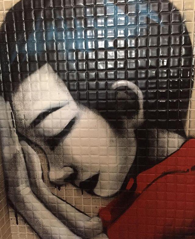 Orai por nós no role @blazegallery in NY #artist #art #instagraffitiart #instagraffiti #instagrafite #zat #becodobatman #becodobatmansp #streetart #streatstyle #streetartsp #nyfw16 #newyorkfashionweek2016