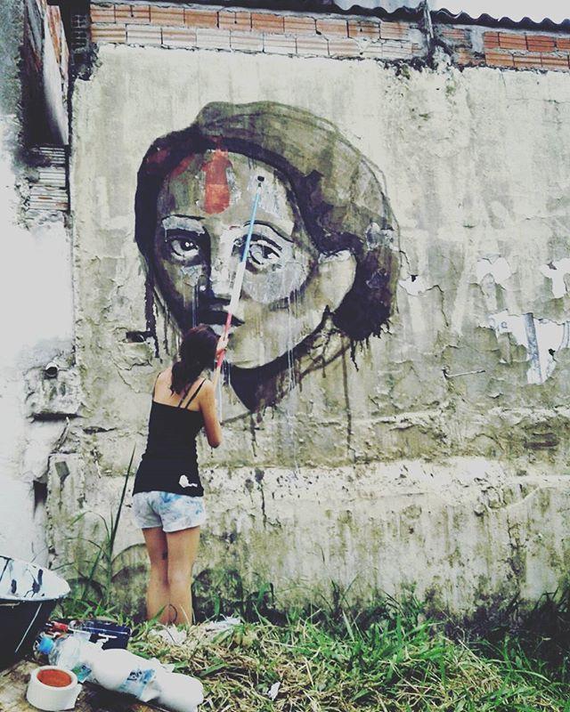 Trabalho de ontem na Cidade Tiradentes para o evento Mulheres Livres organizado por @litauchoa @ari2ka entre outras guerreiras das cores. Foi ótimo conhecer mais uma quebrada de sp. #streetartsp