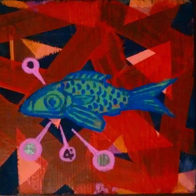 Acrílico sobre madeira 14cm x 14cm disponível. #peixe #fish #sampagrafitti #saopaulograffiti #saopaulostreetart #streetartsampa #streetartsp #tomwray #pintura #painting #art #arte #brazilianstreetart #brazilart #contemporaryart #artecontemporanea