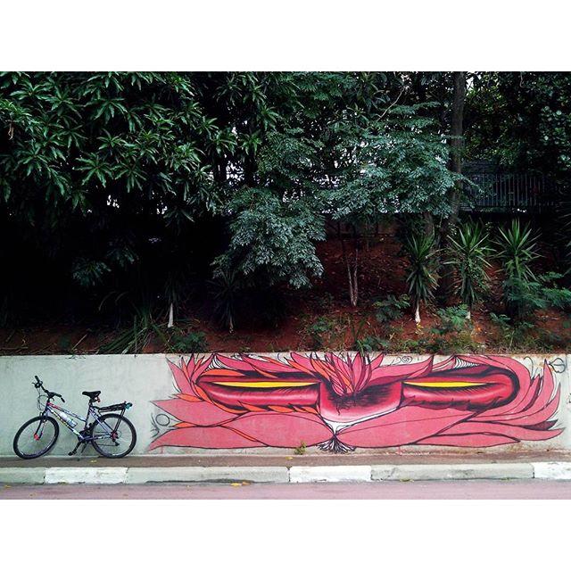 Alice in Wonderland!  #urbanartist @gatunoxama #urbanart #urbanbikesp #urban_graffiti #urbanexploration #usarlabici #bikeanjo #bicicleta #bikeporn #bike #wonderland #transporteativo #grafite #graffiti #graffiti_clicks #graffitiigers #streetart #streetartsp #streetartsaopaulo #brazilianart #streetartnews #streetarteverywhere #streetphoto #sampagraffiti #instagrafite #ciclovia #reciclovia #phonephotography #sp #brazil