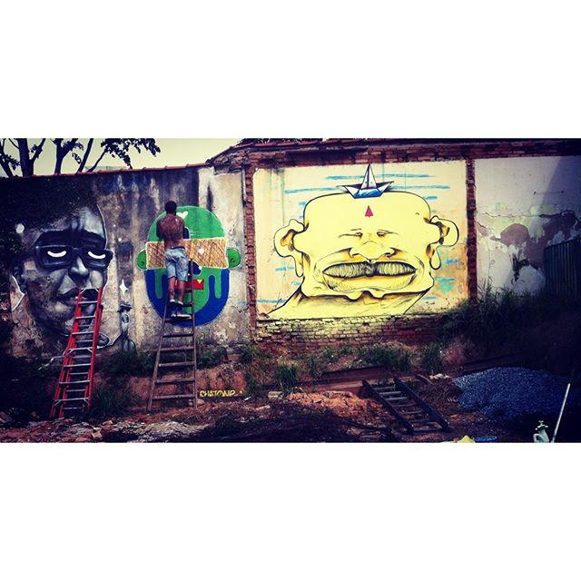 Domingo tranquilo com os camaradas, @quinhoqnh @fedosone_brasil @item72forcollectors @claudioethos @madolpz @antonovas .... Valeu pelo convite @fedosone_brasil tamujuntu! #graffitisp #StreetArtSP #sampagraffiti #sp #spgrafitti #spraypaint #quemedomarnaoenjoa #pub #pubcrew segue...