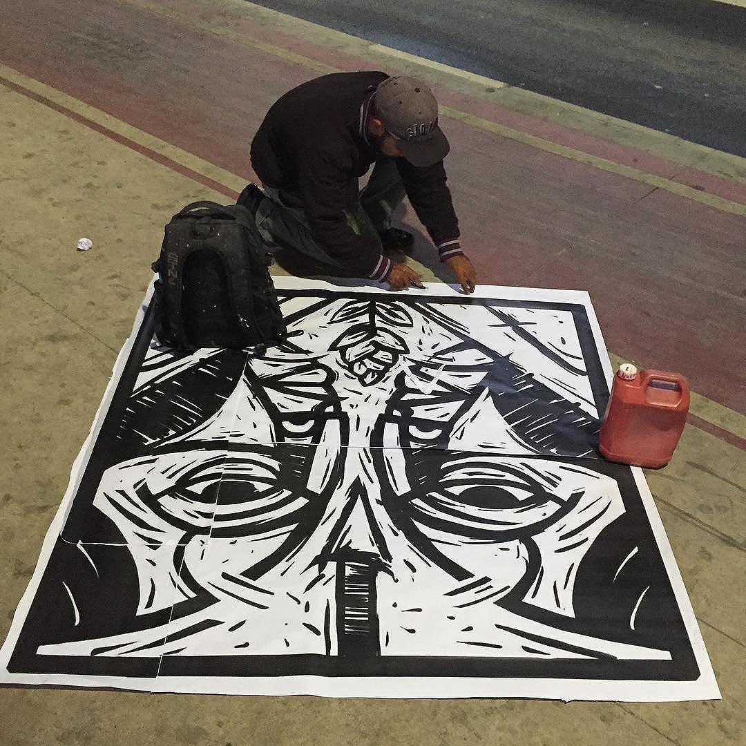 arte do @pixotemushi #pixotemushi #lambe #lambearte #lambelambe #artwork #arteemfoco #streetart #streetartsp #urbanart #urbanocity #brarts #nasruasdesampa #sp4you #misturaurbana #sampagraffiti #asruasfalam #olheosmuros #aquelasp #globalstreetart #artenasruas