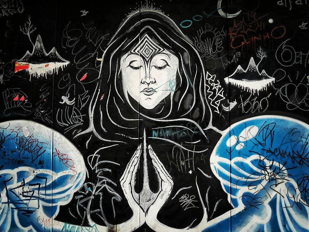 Espiritualismo urbano  . . #vejasp #spcity #sãopaulo #saopaulowalk #centro #streetphotography #streetartistry #street #urban #streetart #graffiti #graffitisp #art #artist #arte #rua #arteemfoco #urbano #sp #zen #meditation #wallproject #instagraffiti #streetphoto_brasil #streetartsp #instacool #streetart_daily #globalstreetart #brstreet