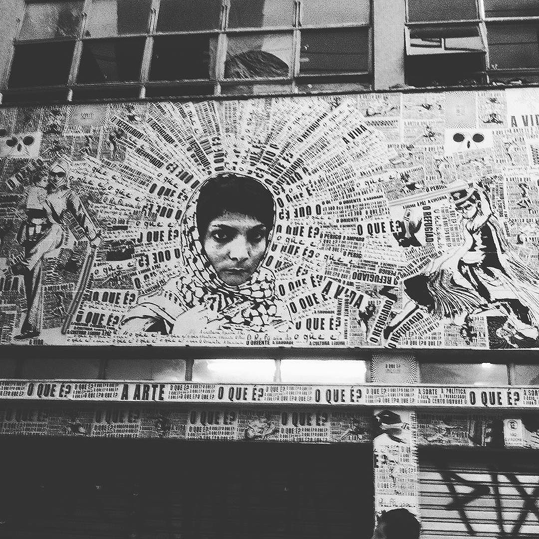 Fachada da ocupação Leila Kaled  no bairro da liberdade em sp, onde moram refugiados sírios, libaneses e nodestinos. Gravamos para o programa Causando na Rua #paulestinos #causandonarua #causandonarua_tangerina #colagem #lambelambe #leilakaled  #palestine #palestina #refugiado  #refugiados #refugees  #streetart #urbanart #arteurbana #art #artederua #artederuasp #sirya #sirios #cholita #jedi #starwars #rua #calle #StreetArtSP