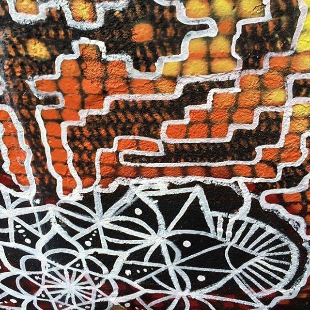 #graficrochet #yarnbomb #grafitti #gratite #Sp #streetart #wall #art #handmade #chochet #crochetting #ilovegraffiti #graficrochetando #nemtodosplashétinta #grafknit #urbanart #grafitecrochet #intervencaourbana #streetartsp #artederua #mulheresgrafiteiras #artederua #yarnporn