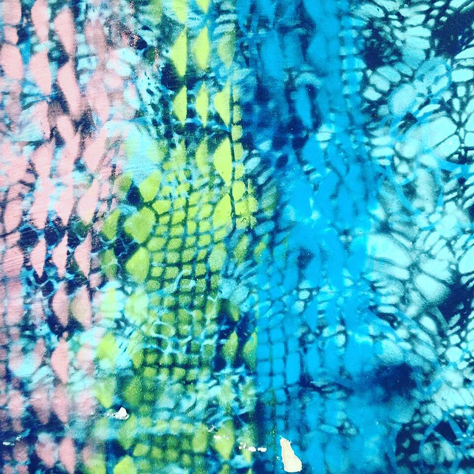 #graficrochet #yarnbomb #grafitti #gratite #Sp #streetart #wall #art #handmade #chochet #crochetting  #ilovegraffiti #graficrochetando #nemtodosplashétinta #grafknit #urbanart #grafitecrochet #intervencaourbana #streetartsp #artederua #mulheresgrafiteiras #artederua #yarn
