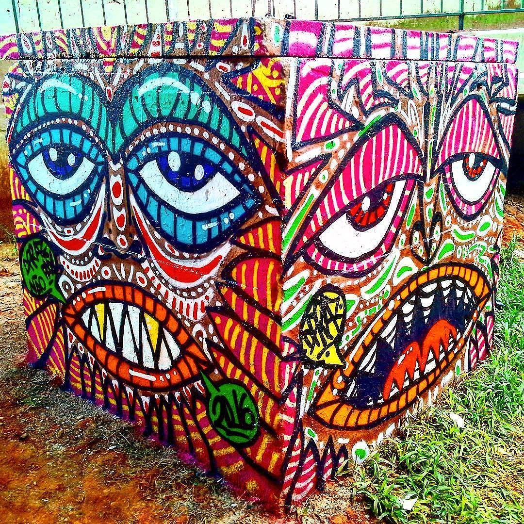 Intervenção Urbana feita no Centro de Itaquera, São Pailo-SP. Por #dpraz 2016 #danyahupraz #dpraznãopara #interveçãourbana #arteurbana #cores #artederua #sprayarte #artesvisuais #latex #itaquera #urbanart #colors #streetart #sprayart #colorginarteurbana # #visualarts #instastreetart #streetartbrazil #streetartsp #boxart