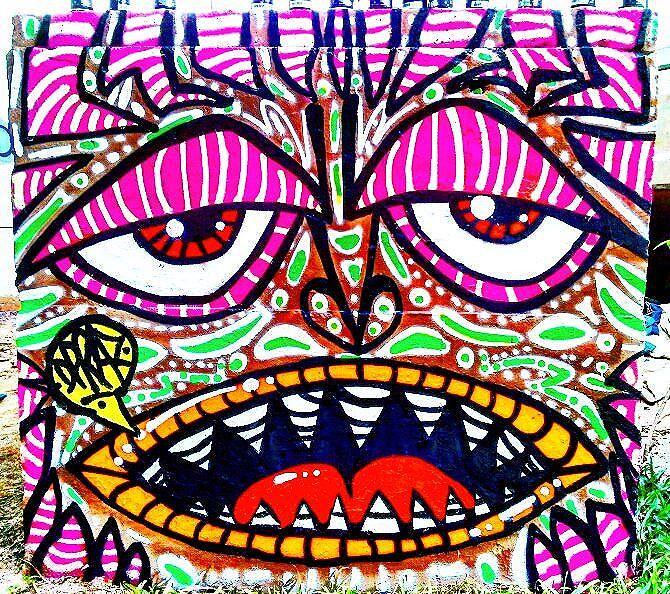 """""""O Retorno da Carranca Suburbana"""". Intervenção Urbana Feita no Centro de Itaquera, São Paulo-SP. Por #dpraz 2016. #danyahupraz #dpraznãopara #interveçãourbana #arteurbana #artederua #graffiti #sprayarte #cores #latex #colorginarteurbana #artesvisuais #urbanart #streetart #sprayart #colors #visualarts #itaquera #streetartsp #streetartbrazil #instagraffiti #instastreetart"""