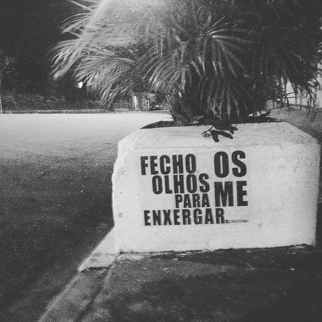 #paulestinos #artederua #colagem #poesia #poesiaderua #poesiademuro #poesiadepedra #poesiaconcreta #art #arte #artederua #arteurbana #StreetArtSP #urbanart #lambe #lamblamb #lambelambe #lapa #casadalapa #saopaulo #sp #spcool #spwalk #splovers #taescritoemsampa #sampa