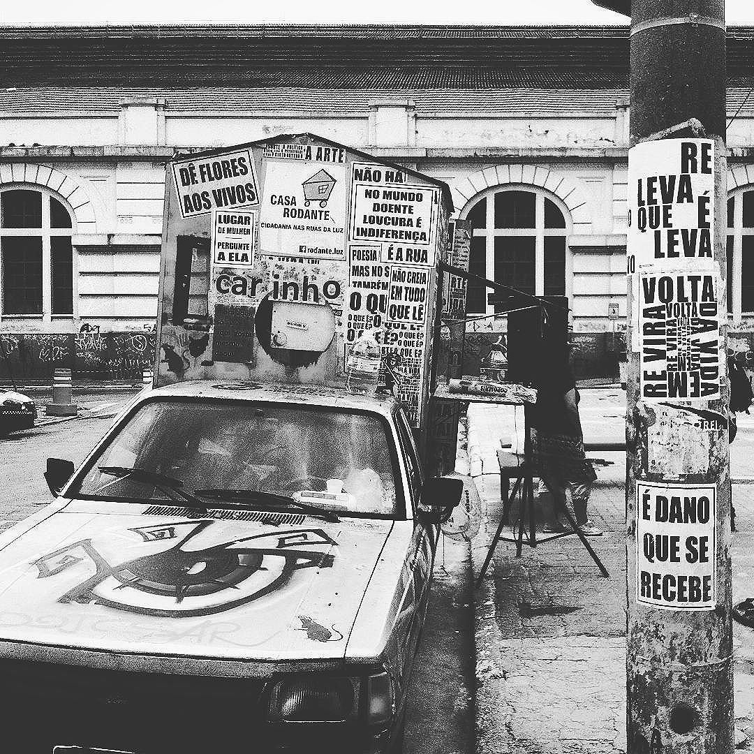 #paulestinos #coletivotransverso #microrroteirosdacidade #casarodante #casadalapa #intervenção #intervención #intervention #StreetArtSP #street #rua #calle #streetart #graffiti #grafite #saopaulo #sp #spcool #spwalk #taescritoemsampa #poesia #poesiaderua #poesiademuro #poesiaconcreta #concretismo #concretism  #lambe #lambelambe #colagem #vidasemobras