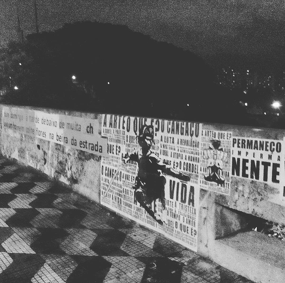#paulestinos #microrroteirosdacidade #rua #street #calle #colagem #lambe #lambelambe #lampiao #jedi #starwars #cangaço #cangaceiro #satelitenacabeça #saopaulo #sp #StreetArtSP #metrosumare #tvminuto #poesiaderua #poesiademuro #poesiaconcreta #concretism #concretismo #artederua #arteurbana #urbanart