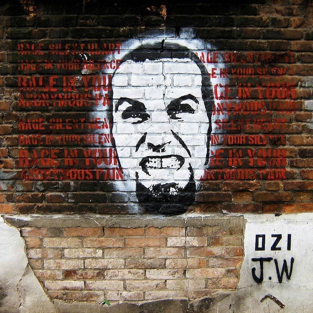 @Regrann from @ozistencil -  Uma raiva, e um poema num muro qualquer. Rage silent heart Rage in your silent Rage in your anonymous pain. Poema gentilmente cedido por James Weller amigo e poeta australiano.  #ozi #ozistencil #stencil #estencil #jamesweller #stencilart #stencilsp #stencilism #streetpoetry #spraypoéticos #streetartsp #sampagraffiti #Regrann #stencilbrasil #AmoStencil