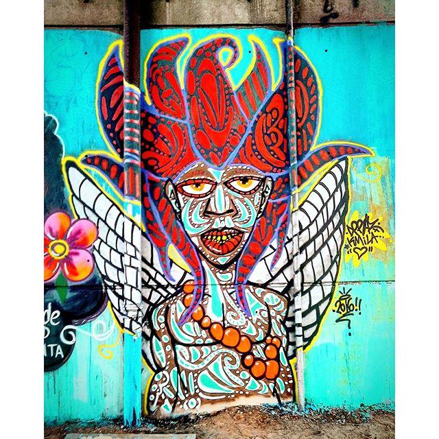 Arte Urbana feita na Estação Dom Bosco da CPTM. Itaquera, São Paulo-SP. Por #dpraz Valeu @sededtinta pelo convite! #danyahupraz #dpraznãopara #danielpraz #dancoliveira #interveçãourbana #arteurbana #artederua #sprayarte #latex #colorginarteurbana #noucolors #cores #artesvisuais #urbanart #streetart #colors #visualarts #instastreetart #streetartsp #streetartworldwide #streetartbrazil #arteurbanasp #instaarte #graffitiart #graffitibrazil