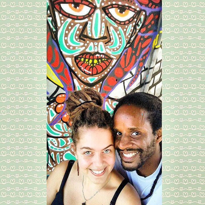 A Arte e o Amor sempre está presente na minha vida. Isso  ninguém há de tirar de mim enquanto vivo. Nesta imagem dois dos seres que me faz sentir feliz e completo: Arte & Amor.  Te amo muito @kmila_desouza , muito obrigado por Tudo  #danyahupraz #dpraznãopara  #dpraz #interveçãourbana #arteurbana #cores #sprayarte #colorginarteurbana #noucolors #amor #latex #artesvisuais #dreadlocks #dreadwoman #onelove #urbanart #streetart  #colors #sprayart #love #visualarts #instastreetart #streetartsp #streetartbrazil #streetartworldwide
