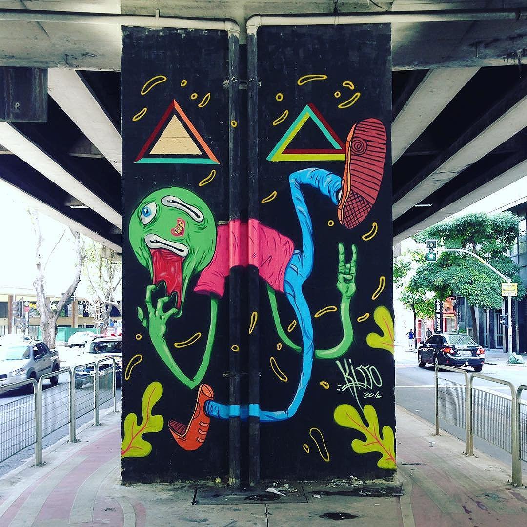 Great wall art in Santa Cecilia (São Paulo) Artist: @mondokisso  #kisso #minhocao  #sambadograffiti #sampagraffiti #graffiti #graffiti_clicks #grafite #graf #streetart #streetartsp #streetphoto #streetarteverywhere #streetartphotography #spray #SPBGRAFITE #spraypaint #urbanwall #urbanart #wallart #saopaulo #brasil #rsa_graffiti #DSB_graff #braznu #sampa #tv_streetart #saopaulocity #tv_sa_simplicity_graff #streetartofficial