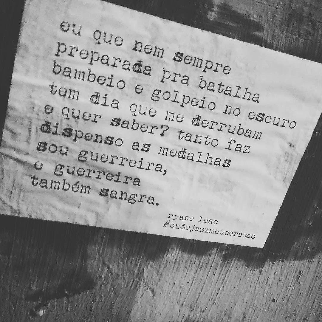 guerreira também sangra.  projeto por @ryaneleao.  #ondejazzmeucoracao #lambelambesp #streetartsp #011 #artederua #intervençãourbana #splovers #vozesdacidade #lamblamb #sp #lambelambe #olheosmuros #osmurosfalam #arteurbana #vinarua #acidadefala #olheosmuros #poesiaderua #asruasfalam #oqueasruasfalam #pelasruas #taescritoemsampa #urbanart #pelosmuros #txturbano #saopaulo #ruaspoeticas #olheasruas #ryaneleao #sp4you