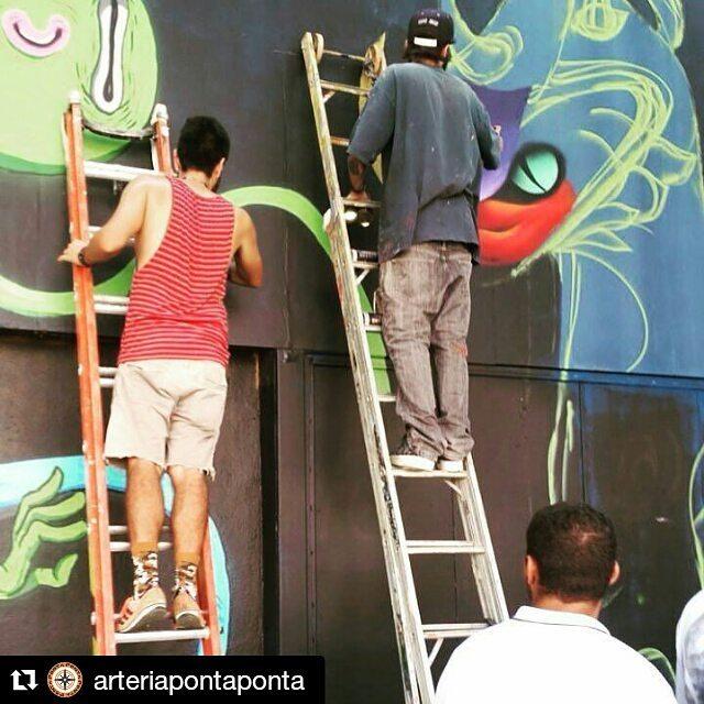 Intensivo de funk com o mano @obergw @robertomadalena   #arteriapontaponta #graffitiart #graffitis #graffitiwall #graffiti #graphicdesign #grafitesp #grafite #graffitiartist #graffitiigers #instagrafite #globalstreetart #streetartist #streetart #urbanart #urbanartist #wall #kisso #art #painting #graffitiporn #murals #arteurbana #arterua #mtn #elgraffiti #streetartsp #sampagraffiti #spray
